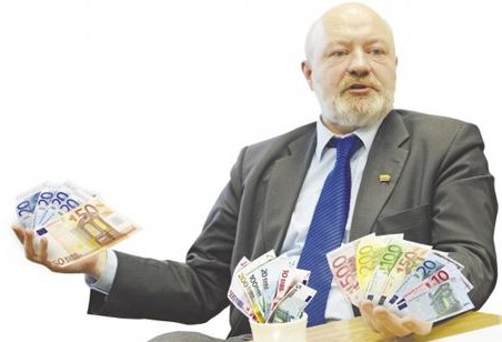 eugenijus-gentvilas-mokys-kolegas-korupcijos-pagrindu